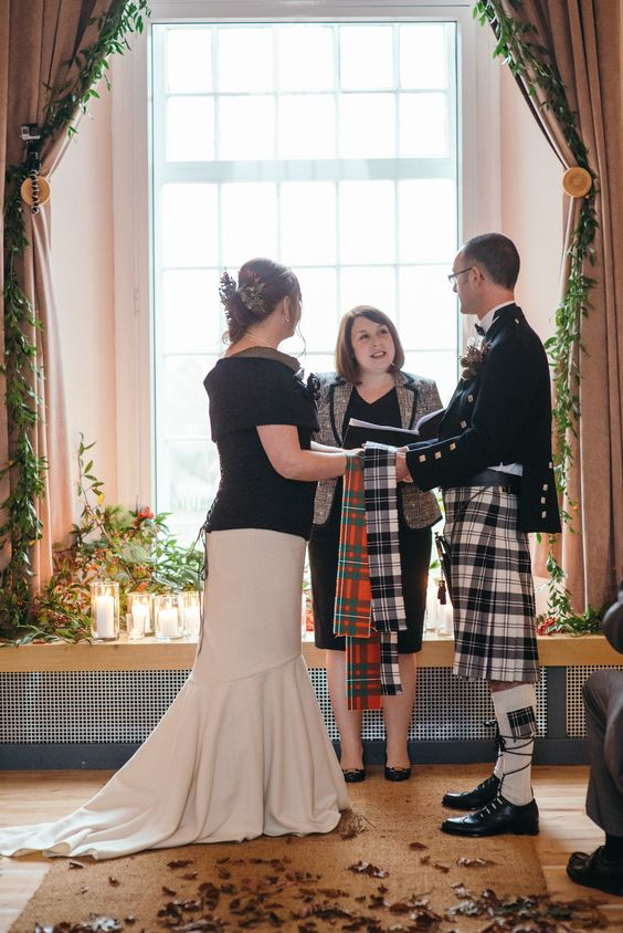 #fishtail #mixed #woolandcashmere #scottishwedding #autumn Photos by http://www.zoecampbellphotography.com/