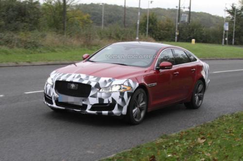 """El restyling del Jaguar XJ """"pillado"""" por primera vez - http://www.actualidadmotor.com/2013/11/04/el-restyling-del-jaguar-xj-pillado-por-primera-vez/"""