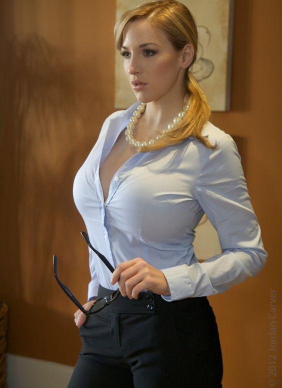 hot girl nude shirt