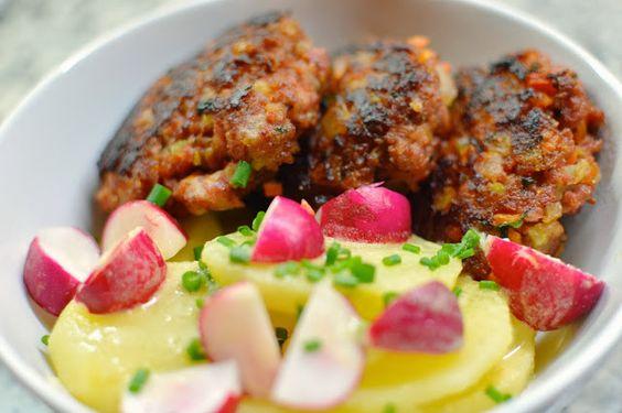 Tosca de la Mota | Recetas sencillas para todos los días - Hamburguesas horneadas con ensalada de patatas y rabanitos