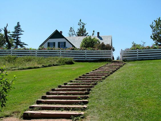 Steps to Anne's