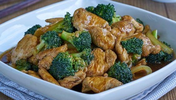 Pollo salteado con brócoli, receta paso a paso