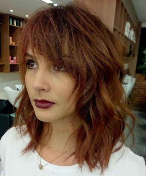 Finest Wind Blown Mid Length Messy Hairstyles With Bangs For Women To Rock This Year Messy Hairstyle Medium Length Hair With Bangs Hair Styles Hair Lengths