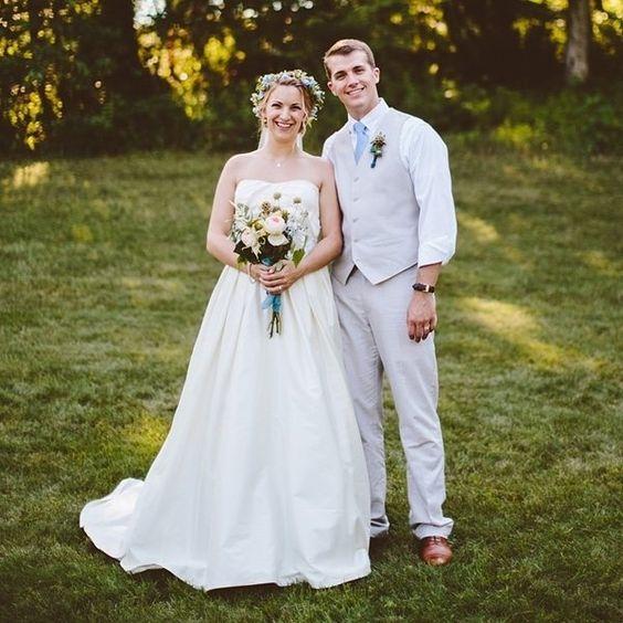 Congratulations to Abigail & Charles. See their entire #capecod wedding on #weddingchicks right now! #weddingphoograpy  @allisonharp #weddingvenue  #overbrookhouse via @angela4design