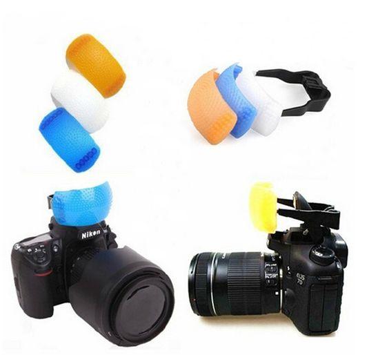 Купить товарРассеиватель 3ni1 поп воздушными рассеиватель с одним кронштейн для Canon 650D 600D 550D для Nikon D7000 D5100 D90 в категории Аксессуары для фотостудиина AliExpress.                         Новый 3 цвет всплывающих рассеиватель аксессуар для камеры  Рассеиватель произ