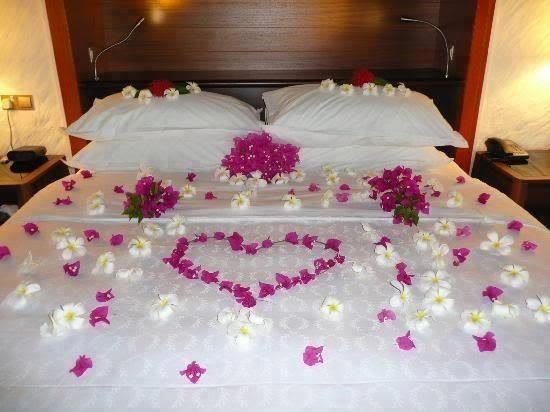 Romantic Beds romantic bed gift idea for valentines day! ohh the possibilities