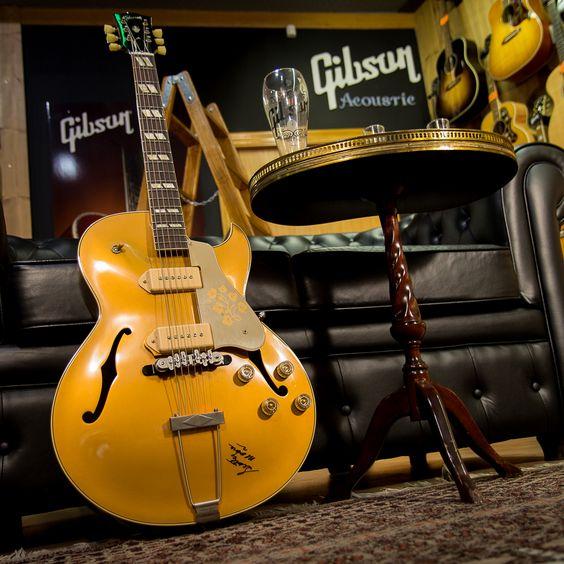 GIBSON ES-295 SCOTTY MOORE #guitar #guitarra #guitarist #guitars #guitarporn #guitarrasexclusivas #txirula #txirulamusik