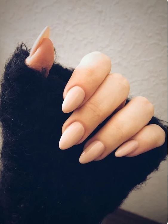 Almond Nail In 2020 Almond Shaped Nails Designs Short Almond Shaped Nails Nails