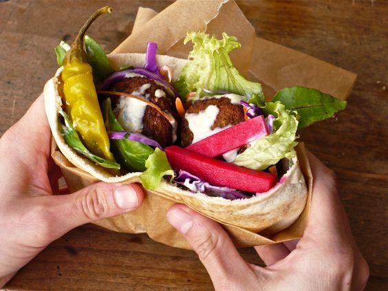 Falafel Sandwich by foodpeoplewant: Oh yum! #Falafel #Sandwich #foodpeoplewant