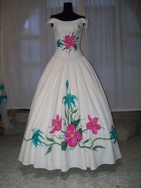 Vestido de XV pintado a Mano Diseñadora Anel Granados Flores Posted by  Aide Granados