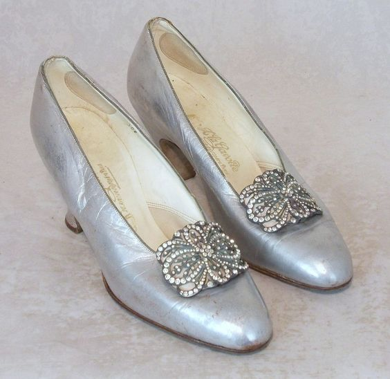 1930s SILVER KID LEATHER SHOES  A LA GAVOTTE  PARIS SIZE UK 4