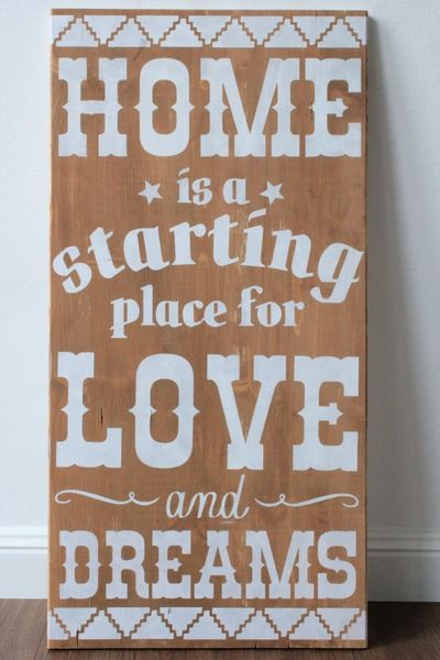 Willkommen bei *-Glitter Words-*  *Worte, die Dich strahlen lassen*    Das perfekte *Holzschild* für Dein Zuhause.    Zuhause - ein ganz eigener Kosmo