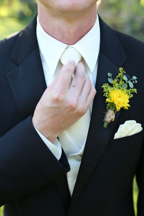Chrysanthemum boutonniere tied with jute. #wedding #boutonniere