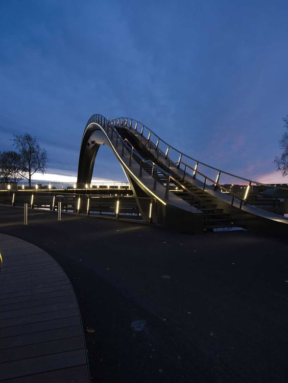 Melkwegbridge / NEXT architects - 谷德设计网