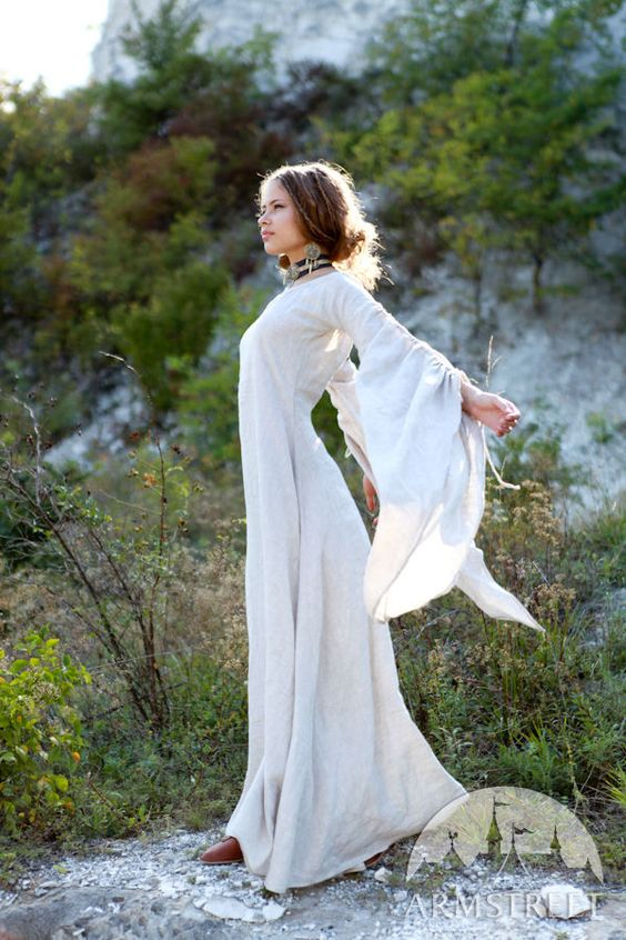 """Archeress"" flax linen medieval garb: dress, chemise and corset bodice set"