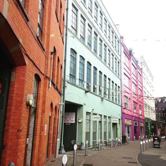 Custard Factory #birmingham #custardfactory #color #prettystreet #rainbow #inspo #instadaily #streetartuk #artoftheday #design by esmeukdesign