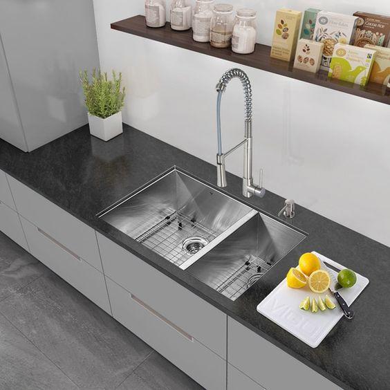 VIGO All-in-One 29-inch Stainless Steel Undermount Kitchen Sink ...
