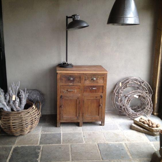 Oud kastje werkbank kookeiland ladenkast dressoir sidetable