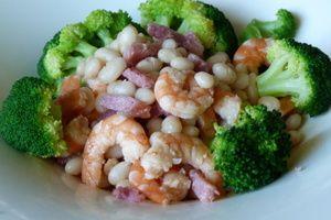 Salade tiède d'haricots coco et brocolis croquants entre terre et mer