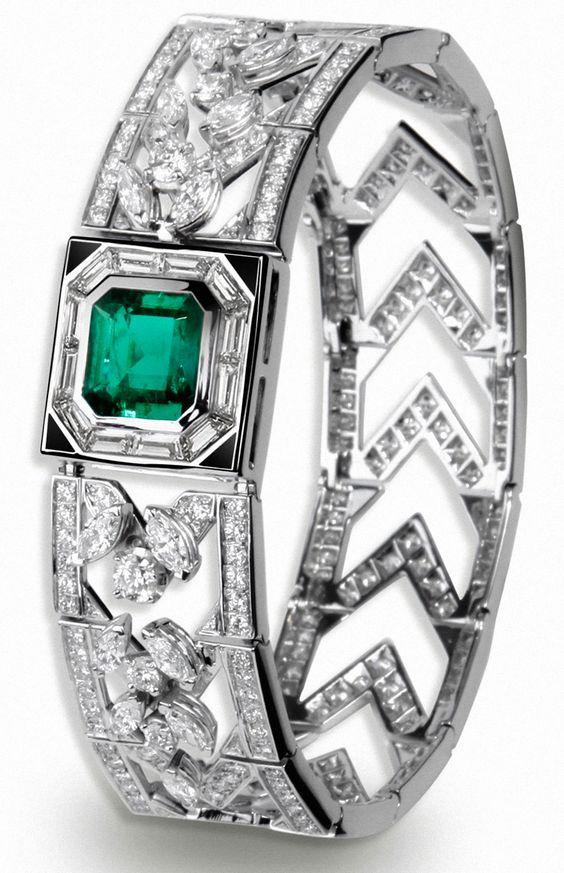 #FineJewellery collection #AlexandreVauthier x #MellerioDitsMeller - #Bracelet - #Cuff - #WhiteGold -  #Emerald 3,31 carats #RoundCut - #Diamonds 5,57 carats, #MarquiseCut diamonds 3,48 carats, #Onyx 0,16 carat - July 2015
