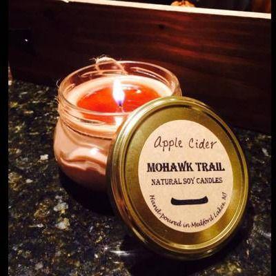 épinglé par ❃❀CM❁✿à partir de onlinelabels. Mohawk Trail Candles