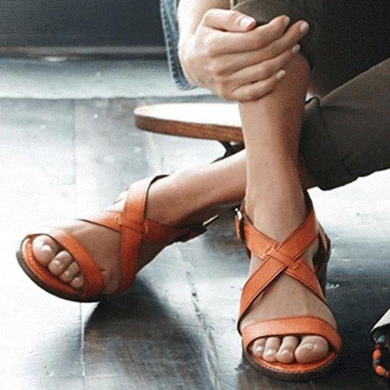 A+ summer sandal. http://on.shopspring.com/yl4q-4