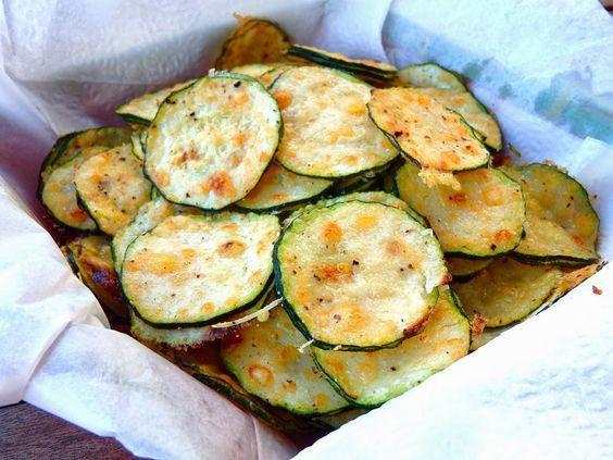 Chips de calabacín y parmesano - Comparte Recetas