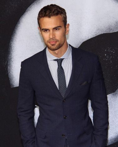 theo james body