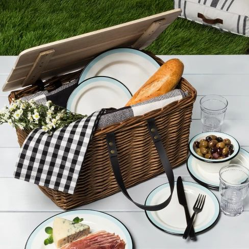 Willow Picnic Basket with Wooden Lid