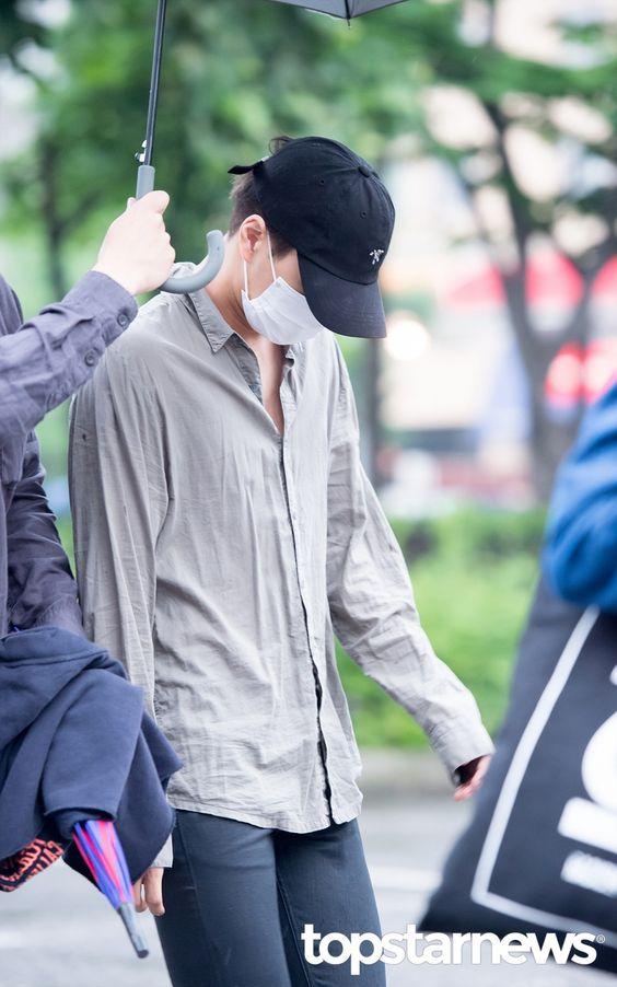 [HD포토] 엑소(EXO) 카이 모자를 푹 눌러 쓰고 출근 #topstarnews