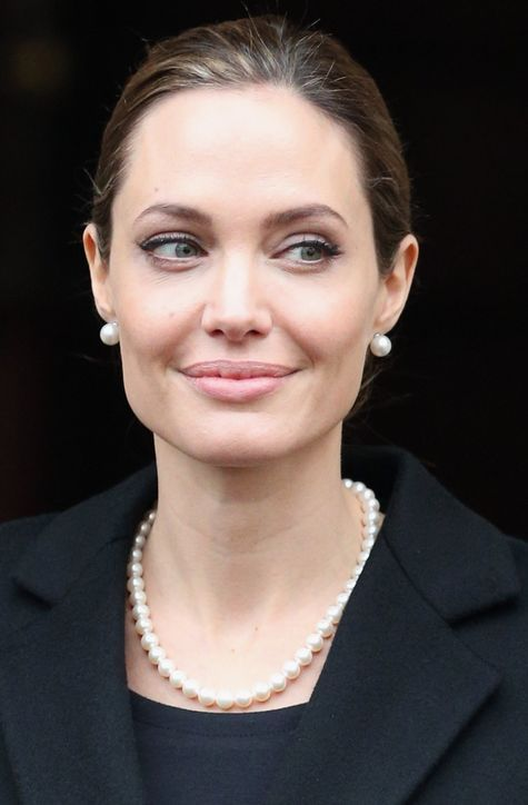 Angelina Jolie is lookin' like a modern day Audrey Hepburn in this pic!: