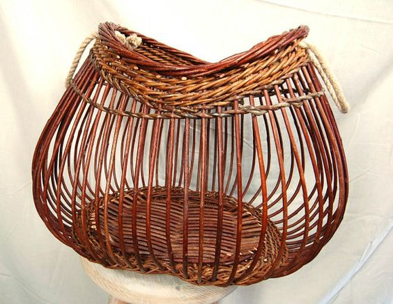 wicker basket fig with rope handle paniers paniers en osier et etsy. Black Bedroom Furniture Sets. Home Design Ideas
