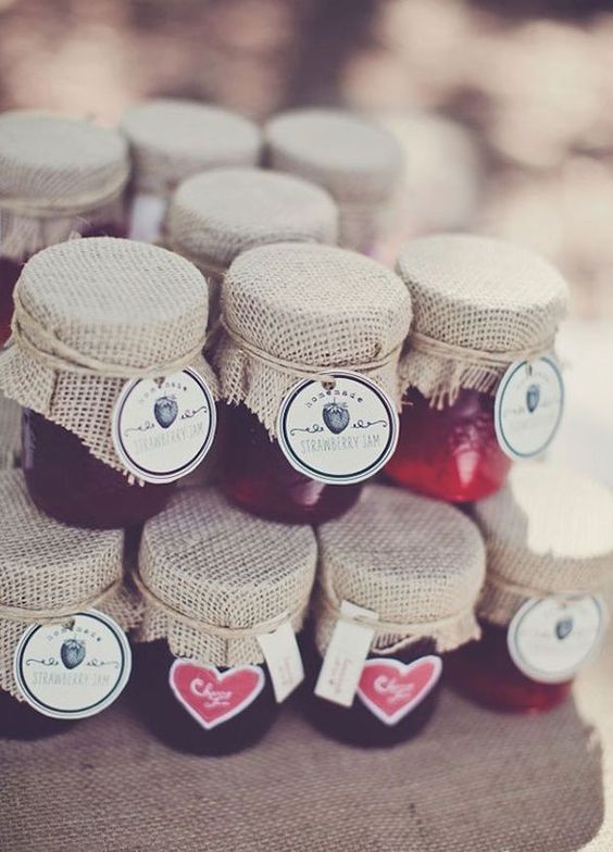 12 Best Edible Wedding Favors: #6. Your guests jammed with you all night at your wedding! Why not thank them with an adorable jar of homemade jam?