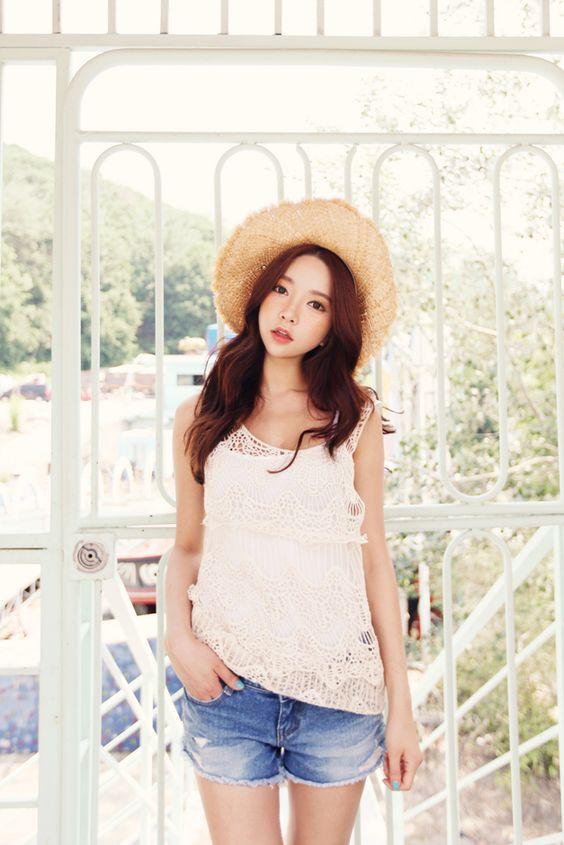 Korean Fashion LS street style: