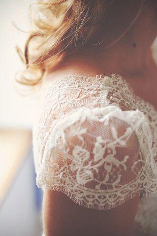 Yoann Pallier - Un mariage multicolore dans la Drome - La mariee aux pieds nus