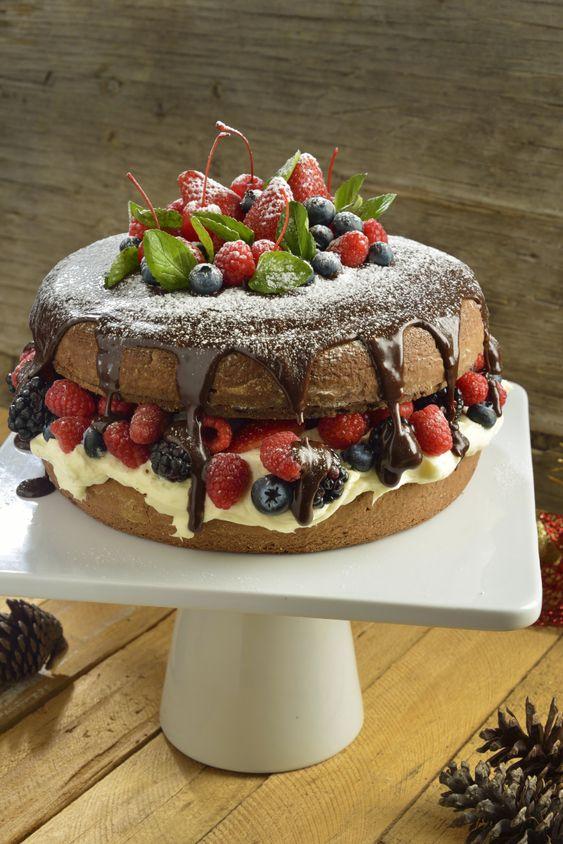 Este pastel es un rico postre es un pastel de vainilla - Postres con frutas faciles ...