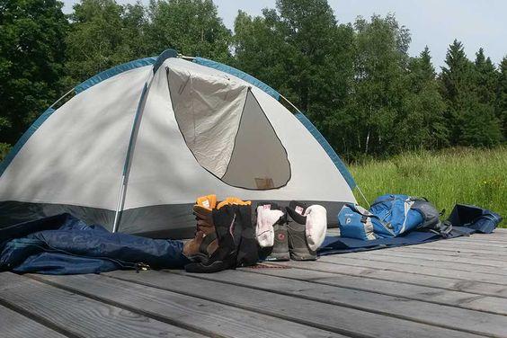 Zelten und Trekking in der Eifel: Ideal für eine für eine kleine Auszeit vom Alltag zwischendurch. Wir haben es ausprobiert und sind begeistert! Den Bericht dazu findet ihr auf www.dieblauebanane.de