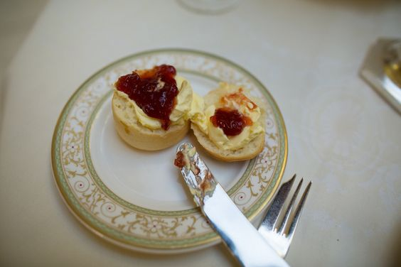 The Ritz                       15 lugares para chá da tarde que você deve visitar antes de morrer