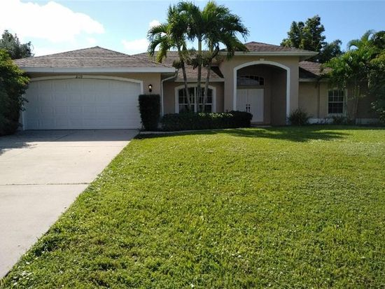 2110 Cape Coral Pkwy W Cape Coral Fl 33914 Mls 218076040 Zillow Florida Home Outdoor Decor Zillow
