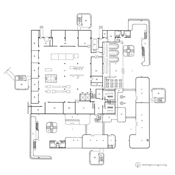 Floor plan drawing travel agency and industrial kitchens for Pharmacy design floor plans