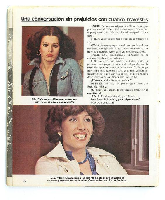 Sonia, en la fotografía inferior, sonriendo durante la entrevista ('El libro de los travestis', cedido por Beatriz Espejo)