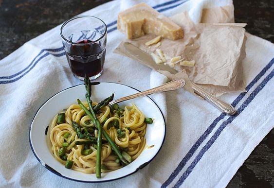 Pâtes carbonara aux asperges - Châtelaine