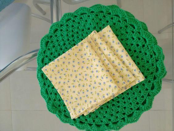 Susplat croche e guardanapo floral