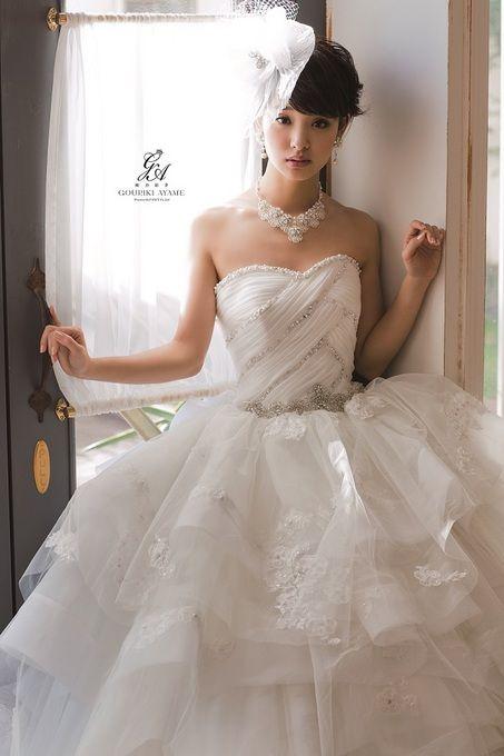 ウエディングドレスの剛力彩芽