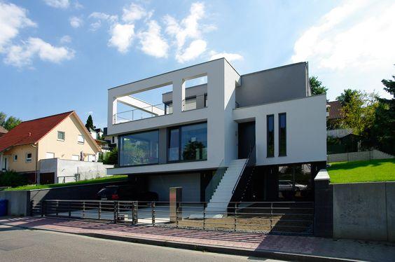 luxusvilla in moderner architektur by moderne villen pinterest. Black Bedroom Furniture Sets. Home Design Ideas