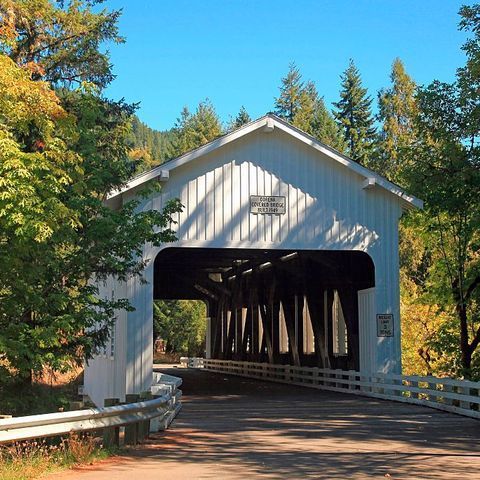 60 Charming American Towns Worth Taking A Road Trip To Visit In 2020 Cottage Grove Oregon Cottage Grove Covered Bridges