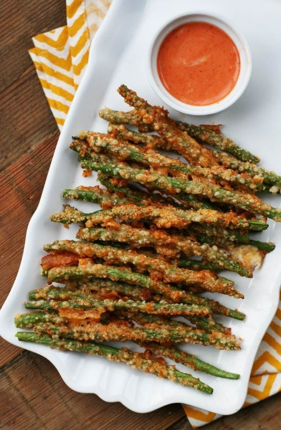 Green bean fries: #Paleo #Whole30 - A crispy Parmesan crust makes these irresistible. 5 minutes to prep! Click through for recipe.