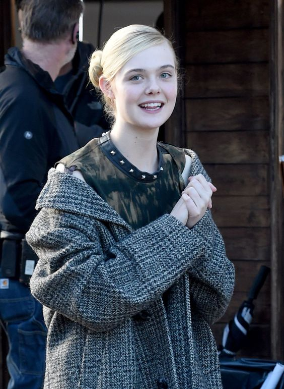 Elle Fanning – on the set of 'How to Talk to Girls at Parties' in Sheffield, 13.11.15