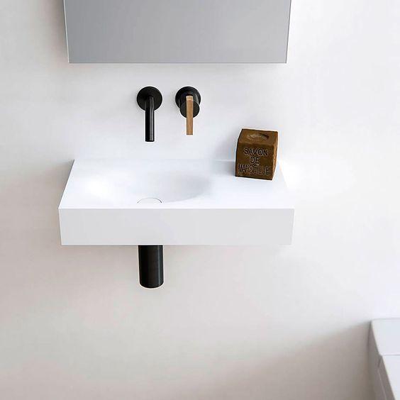 Edge, Level, Timeless y Wave son las cuatro nuevas colecciones de lavabos que la firma holandesa Baths by Clay ha incluido recientemente en su catálogo