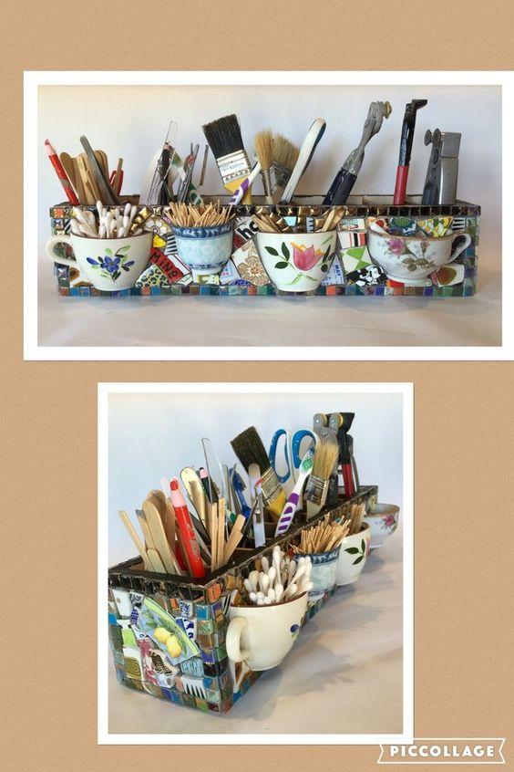Een van de voorbeelden die je met mozaiek kan maken, een pennenbak